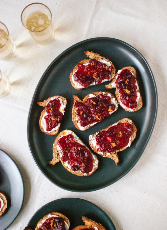 cranberry-crostini